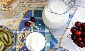 Коктейль бананово-молочный шейк — список ингредиентов и полезные советы по приготовлению вкусного напитка