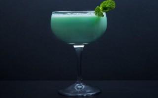 Коктейль Grasshopper (Кузнечик) — история напитка, способ подачи и секреты приготовления