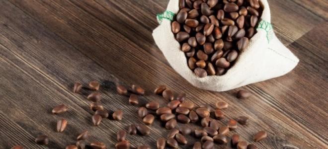 Лучшие рецепты самогона на кедровых орехах: настойка и брага