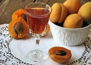 Самогон из абрикосов в домашних условиях